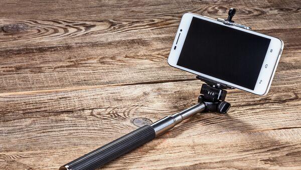 Smartfon z kijkiem do selfie - Sputnik Polska