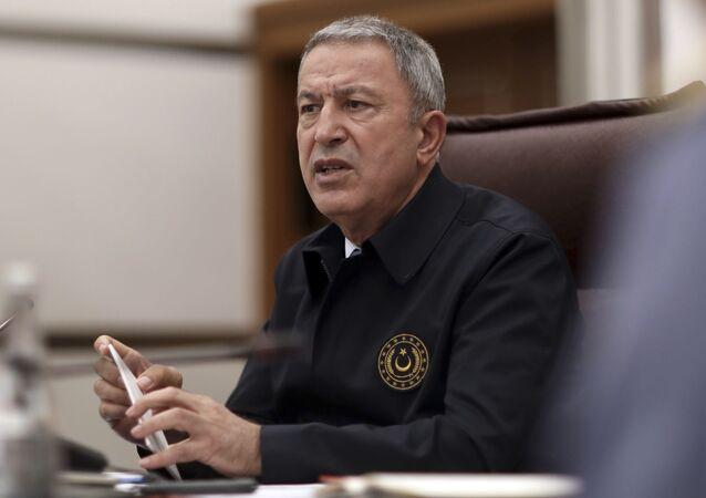 Minister obrony Turcji Hulusi Akar