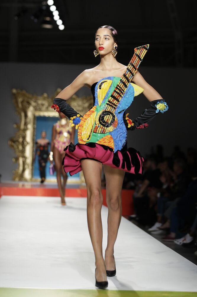 Moschino kolekcja na wiosnę 2020