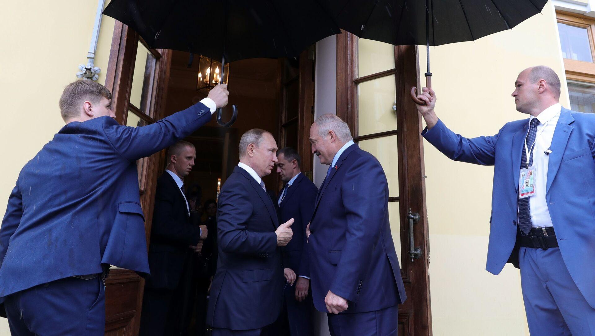 Władimir Putin i Alaksandr Łukaszenka - Sputnik Polska, 1920, 02.04.2021