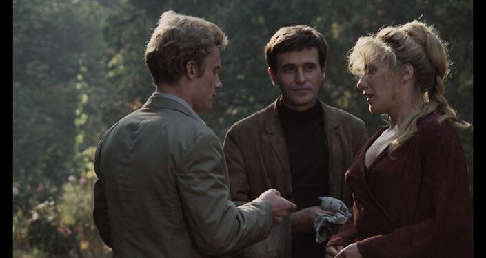 """Kadr z filmu """"Życie rodzinne"""" (1970)"""