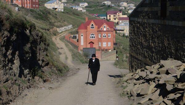 Jubiler Gadżyomar Izabakorów w osiedlu Kubaci w Republice Dagestan - Sputnik Polska