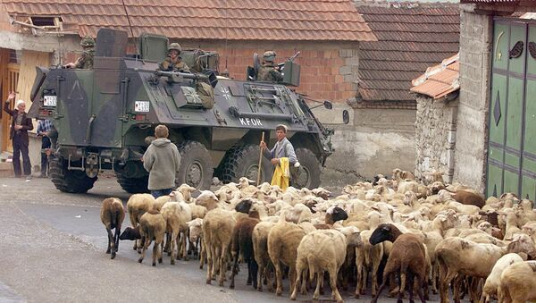Niemiecki BTR w mieście Orahovacz, na zachód od Kosowa, rok 1999 - Sputnik Polska