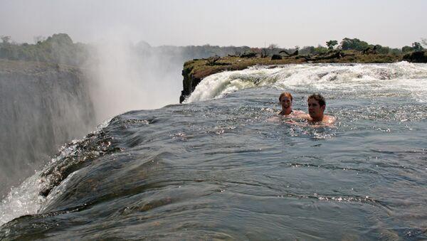 Diabelski basen (Devil's Pool) nad Wodospadami Wiktorii w Zambii - Sputnik Polska