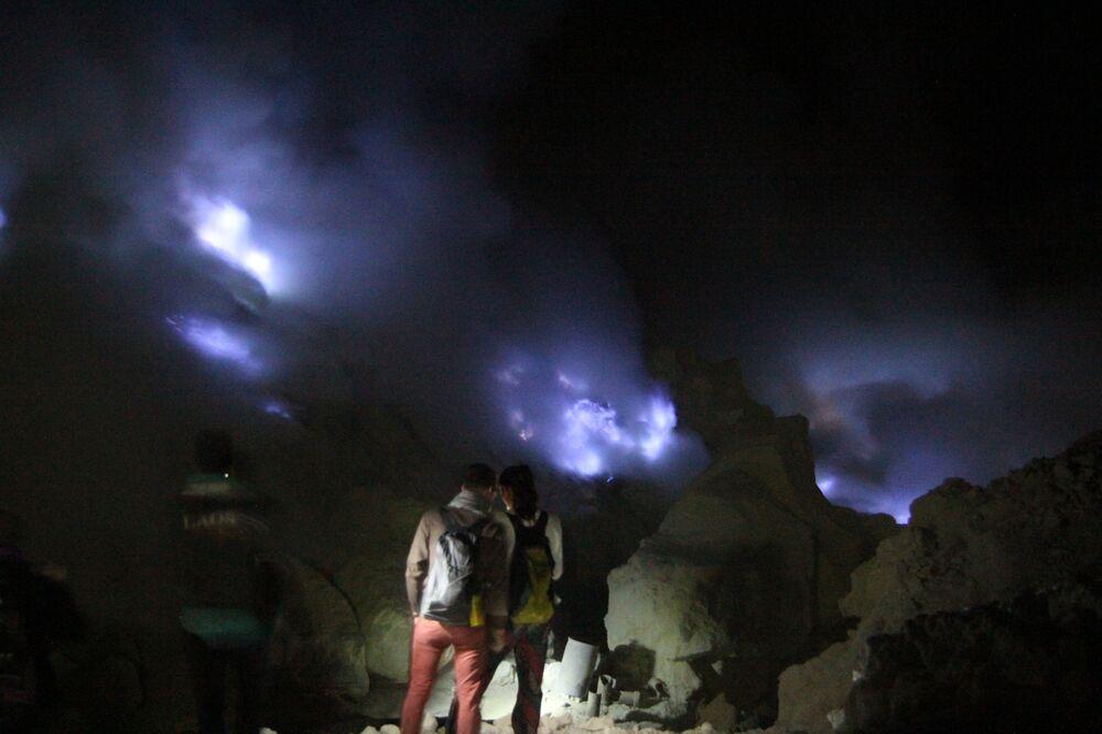 Kawah Ijen - jedyny na świecie wulkan z niebieską lawą