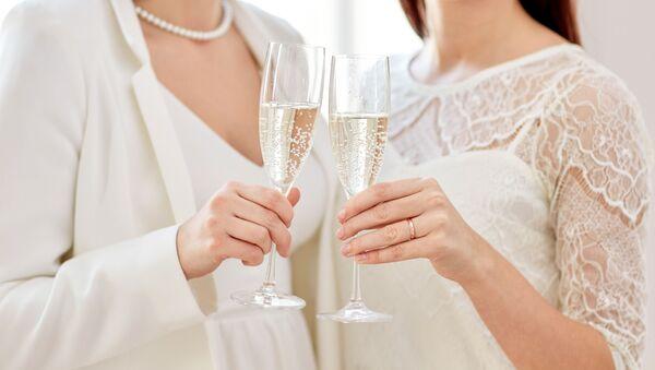 Kobiety z szampanem - Sputnik Polska