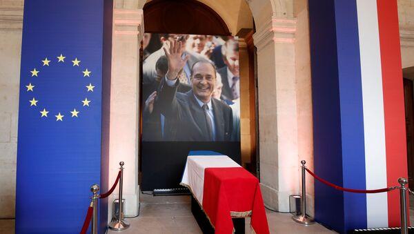 Trumna i fotografia zmarłego prezydenta Francji Jacquesa Chiraca - Sputnik Polska
