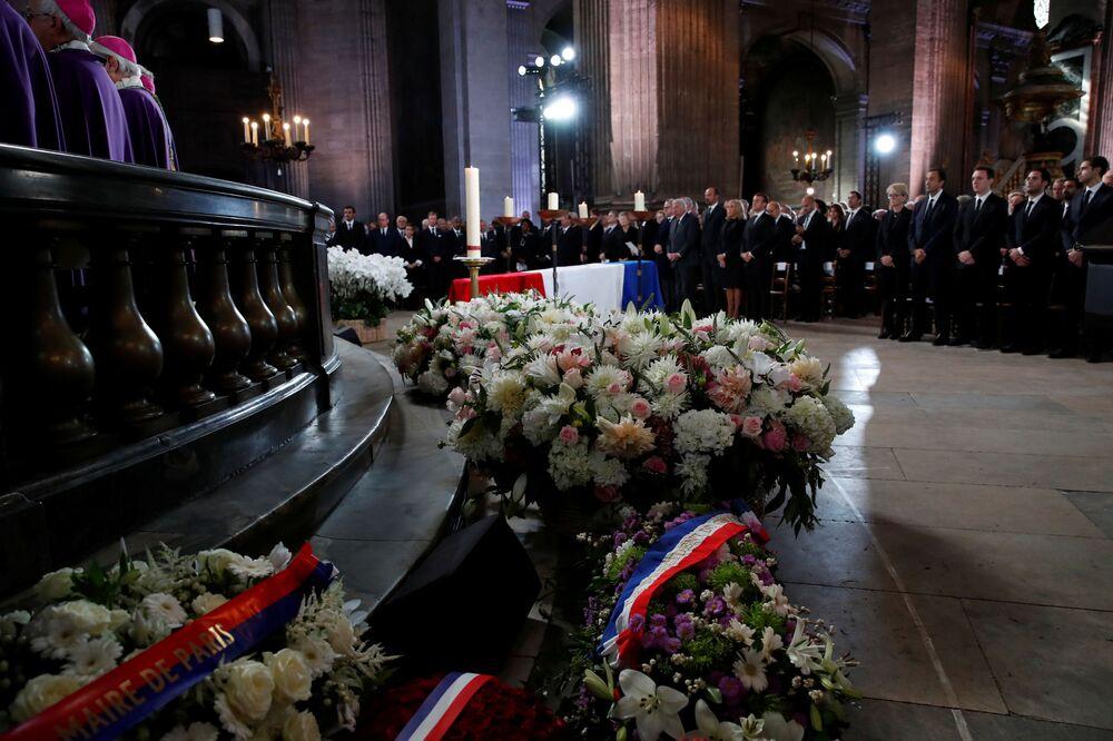 Ceremonia pogrzebowa byłego prezydenta Francji w kościele Saint Sulpice w Paryżu