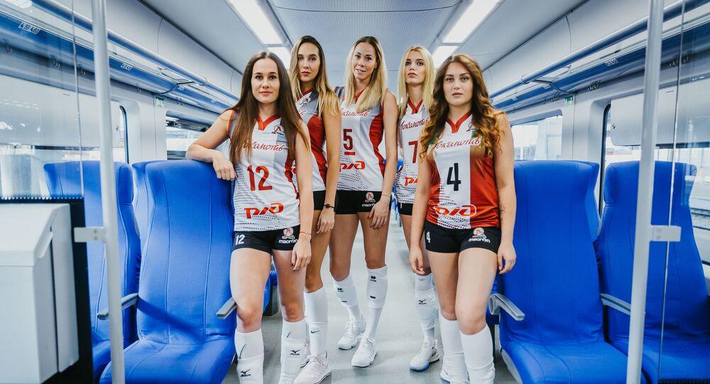Zawodniczki klubu siatkarskiego Lokomotiw z obwodu kaliningradzkiego