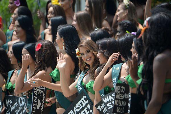 Kandydatki ubiegające się o tytuł Miss Earth 2019 podczas kampanii ekologicznej na Filipinach  - Sputnik Polska