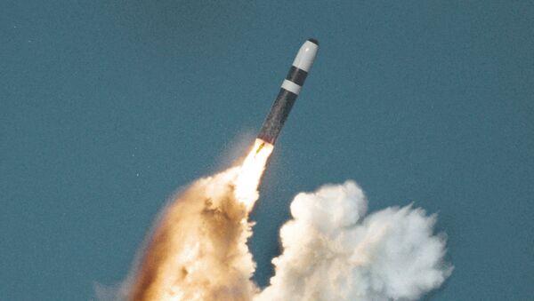 Amerykański trzystopniowy pocisk balistyczny Trident II - Sputnik Polska