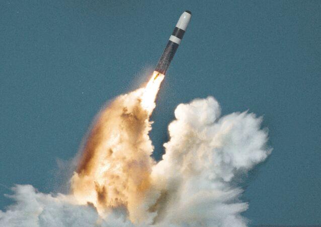 Amerykański trzystopniowy pocisk balistyczny Trident II