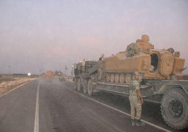 Tureckie oddziały na granicy z Syrią