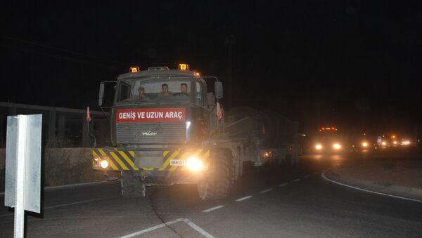 Na syryjską granicę dotarł duży turecki konwój ze sprzętem wojskowym - Sputnik Polska