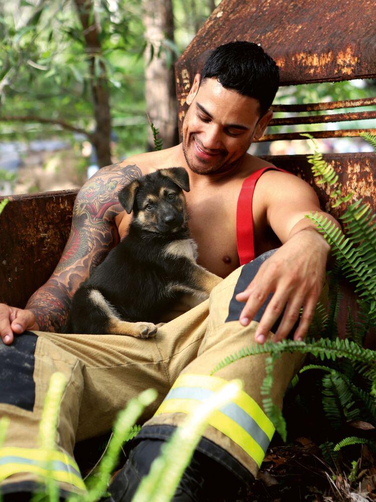 Australijscy strażacy rozebrali się w charytatywnym kalendarzu 2020 Australian Firefighters Calendar