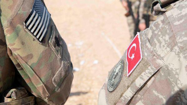 Armia USA w Syrii, turecka operacja wojskowa - Sputnik Polska