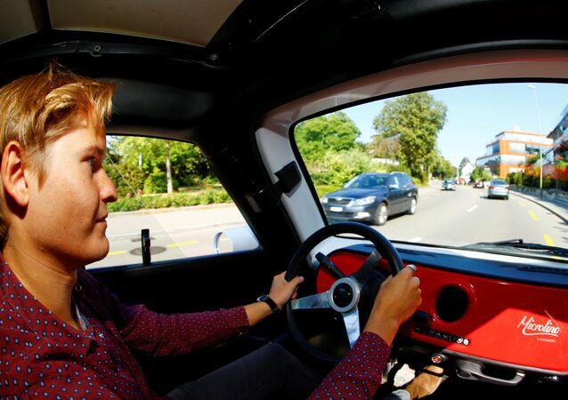 Samochód elektryczny Microlino