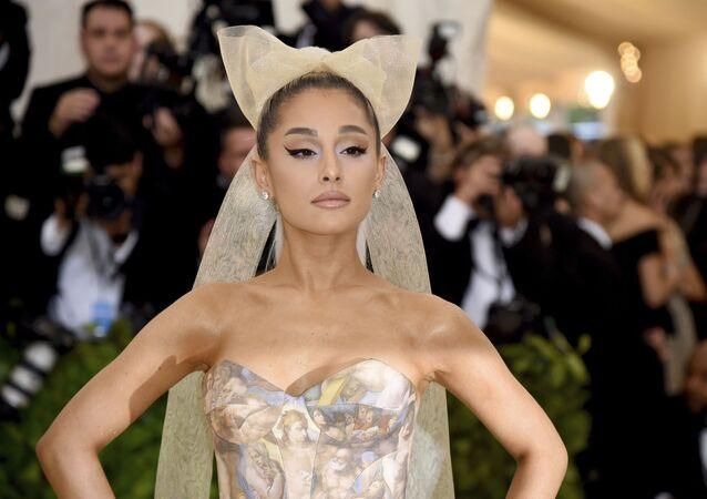 Amerykańska aktorka i piosenkarka Ariana Grande podczas corocznej gali The Metropolitan Museum of Art's Costume Institute w Nowym Jorku
