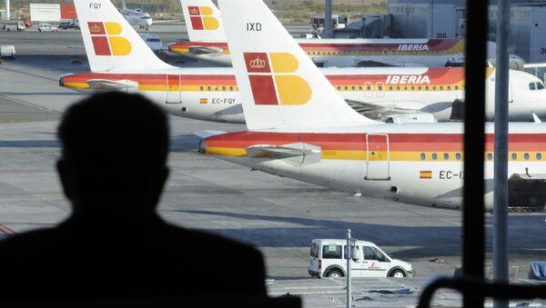 Samoloty hiszpańskiego krajowego przewoźnika Iberia na lotnisku Barajas w Madrycie - Sputnik Polska