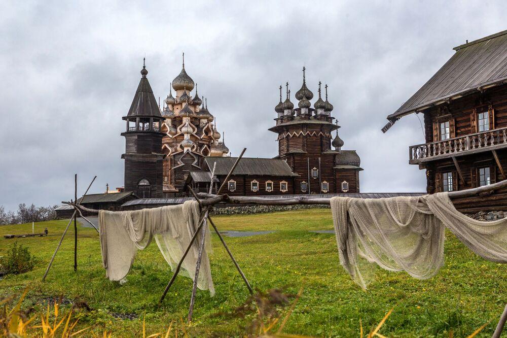 Kościół Przemienienia Pańskiego z XVIII wieku w Karelli