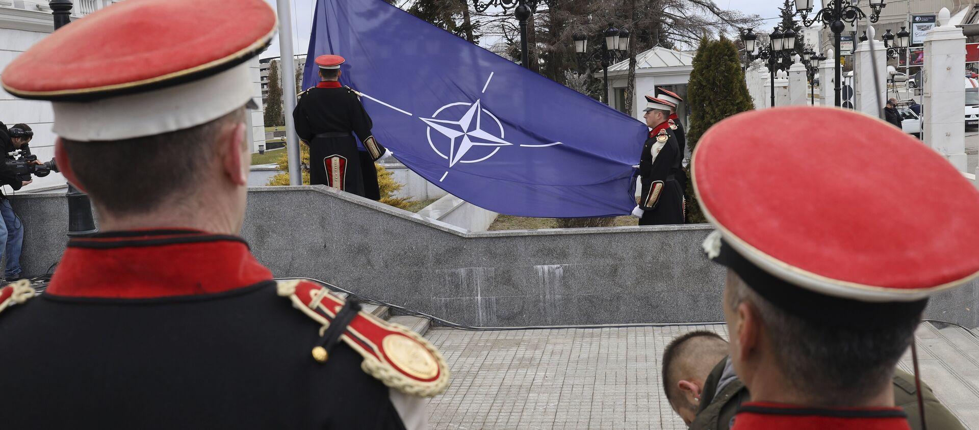 Flaga NATO w Skopje - Sputnik Polska, 1920, 19.10.2019