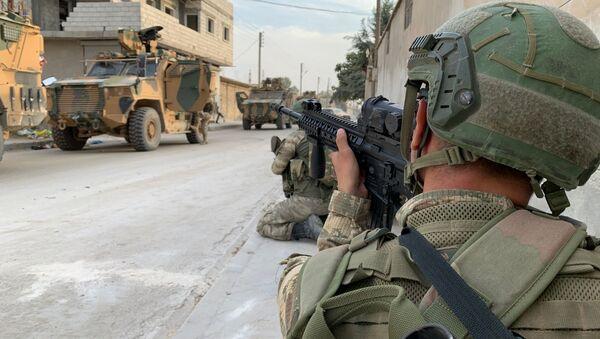 Tureccy żołnierze w przygranicznym mieście Tall Abjad, Syria - Sputnik Polska