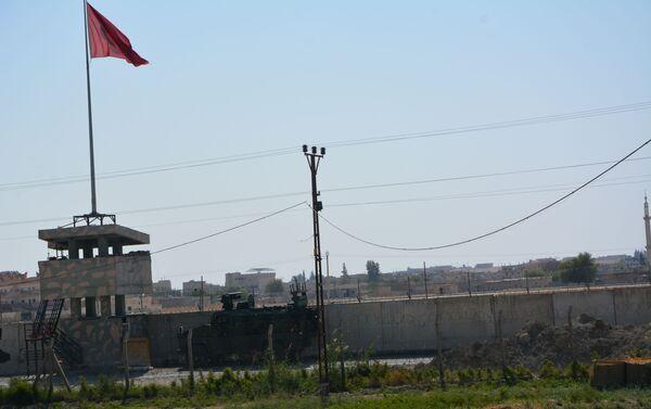 Amerykańscy wojskowi opuszczają bazę w syryjskim mieście Tall Tamr - Sputnik Polska