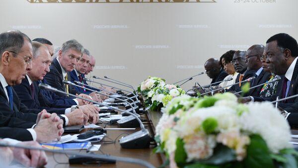 Prezydent Rosji Władimir Putin w czasie spotkania z przewodniczącymi regionalnych organizacji Afryki  - Sputnik Polska