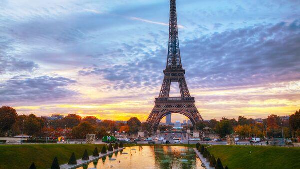 Wieża Eiffla Paryż Francja - Sputnik Polska