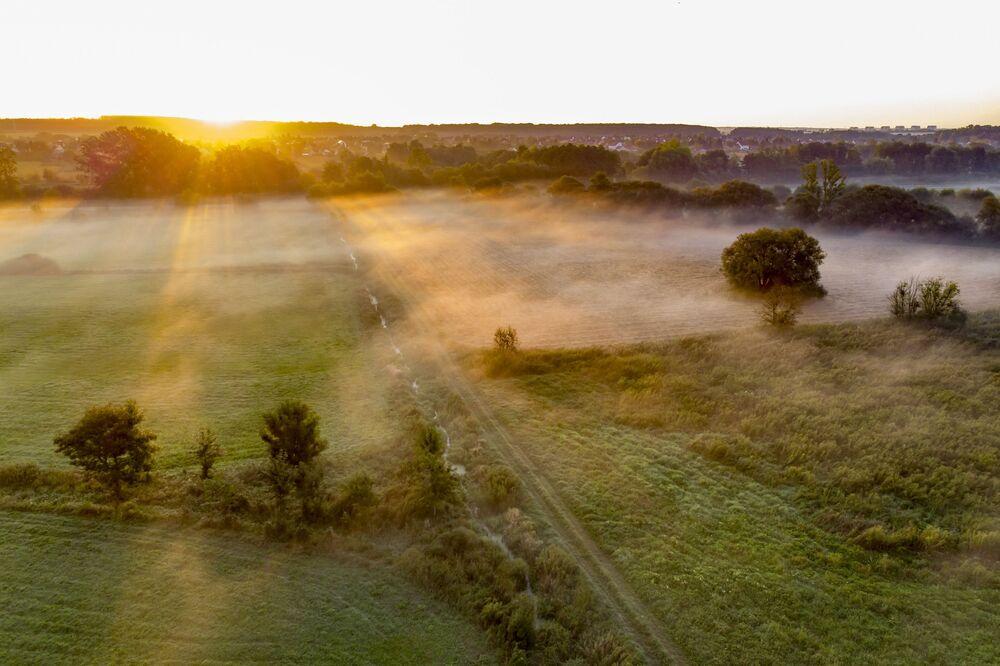 Wschód słońca w okolicach węgierskiego miasta Nagykanizsa