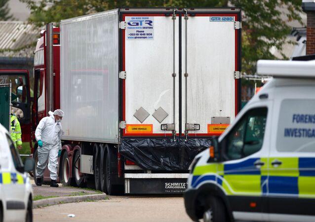 Makabryczne odkrycie w Essex. Ciężarówka z 39 ciałami, 23 października 2019 roku