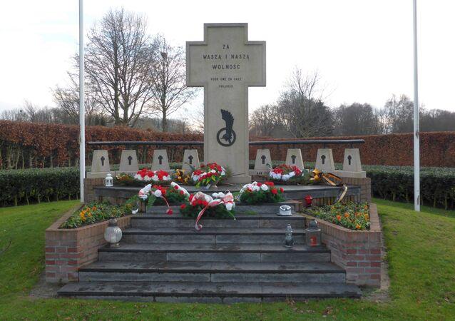 Pomnik polskich żołnierzy w Bredzie, Holandia