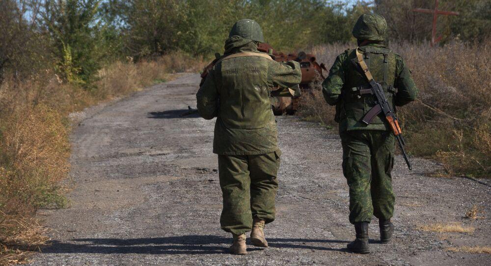 Żołnierze ŁRL we wsi Sokolniki na linii kontaktowej w obwodzie ługańskim