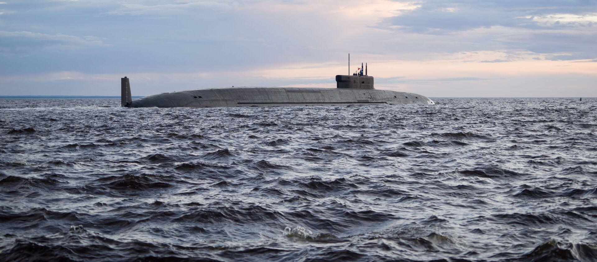 """Atomowy strategiczny podwodny krążownik rakietowy """"Książę Włodzimierz"""" na wodach Sewerodwińska - Sputnik Polska, 1920, 27.07.2020"""