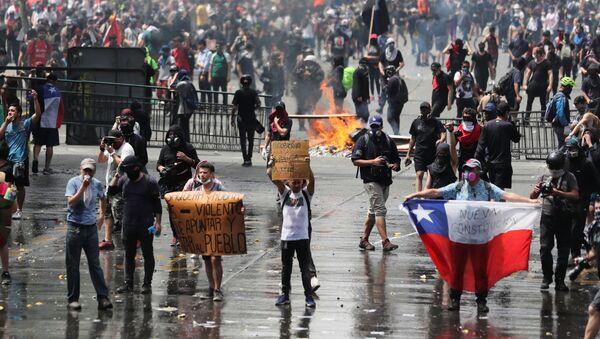 Protesty w Chile - Sputnik Polska