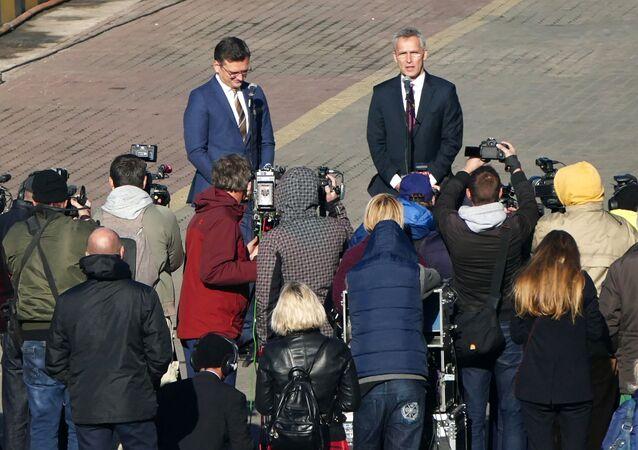 Sekretarz Generalny NATO Jens Stoltenberg w pirsie w Odessie