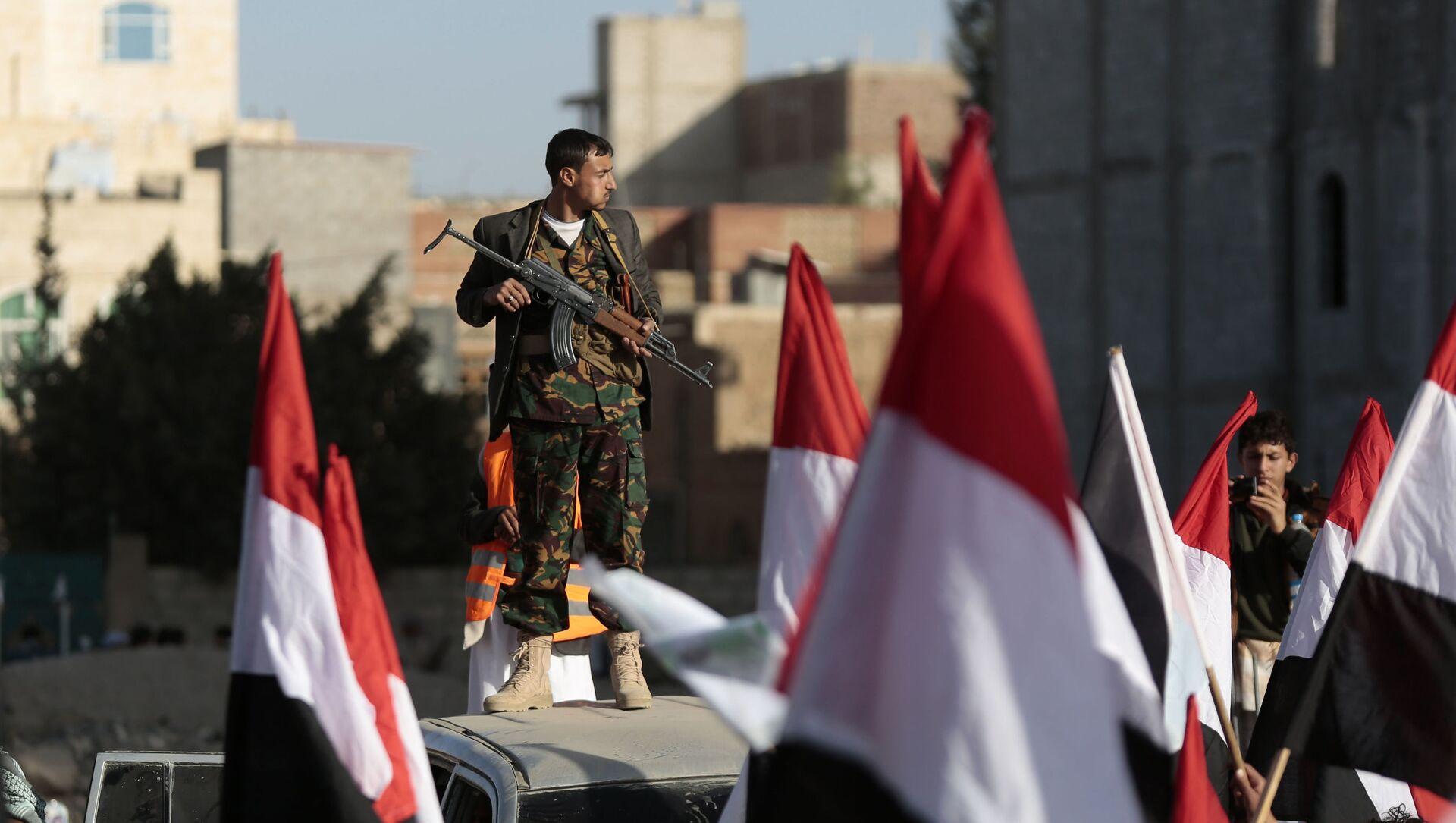 Rebelianci Huti na ulicach Sany świętują zabicie prezydenta Jemenu Ali Abd Allah Saleha. 5 grudnia 2017 - Sputnik Polska, 1920, 16.06.2021
