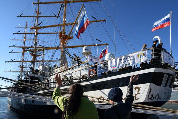 """Fregata """"Pallada"""" wyruszyła z Władywostoku w rejs dookoła świata - Sputnik Polska"""