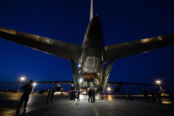 Czterosilnikowy, odrzutowy, strategiczny samolot transportowy An-124 Rusłan - Sputnik Polska