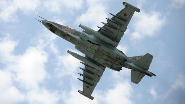 Dwusilnikowy samolot szturmowy Su-25 - Sputnik Polska
