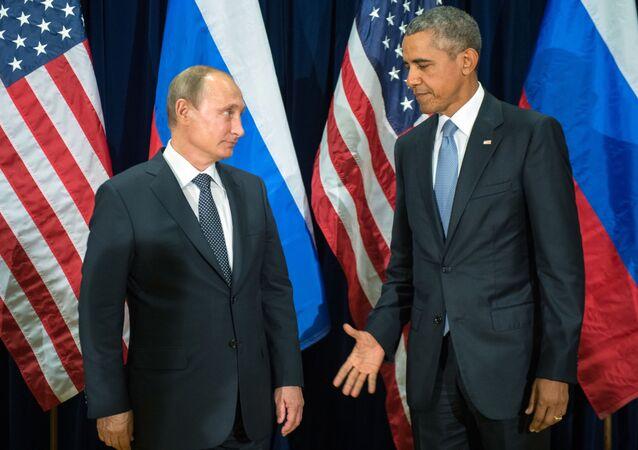 Prezydent Rosji Władimir Putin i prezydent USA Barack Obama podczas spotkania w ramach 70. Zgromadzenia Ogólnego ONZ w Nowym Jorku