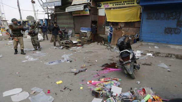 Zamach na jednym z rynków w indyjskim mieście Śrinagar. - Sputnik Polska