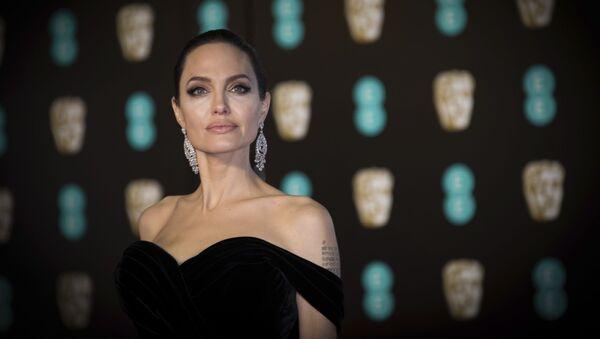Angelina Jolie na BAFTA Film Awards w Londynie - Sputnik Polska