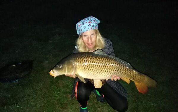 Sazan (dziki karp) ważący 8,2 kg  - Sputnik Polska
