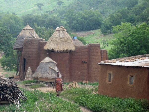 Tradycyjna wieś Tamberma, ziemia należąca do ludzi Tammari Batammariba w Togo  - Sputnik Polska
