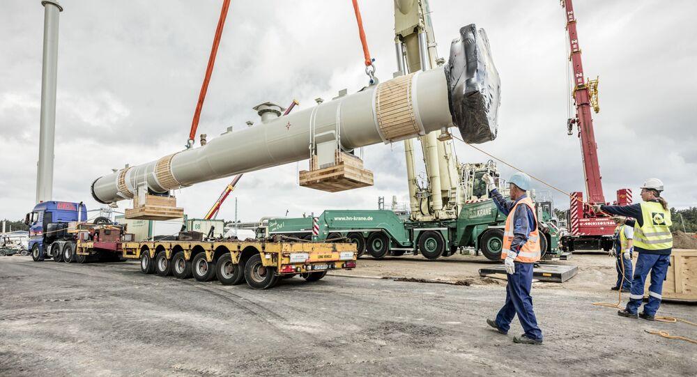 Instalacja kamery odbiorczej w gazociągu Nord Stream 2 na placu budowlanym w Lubminie