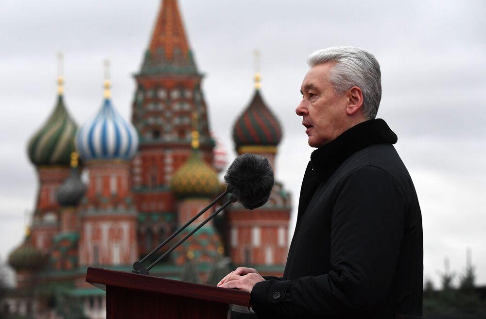 Wystąpienie mera Moskwy na Placu Czerwonym