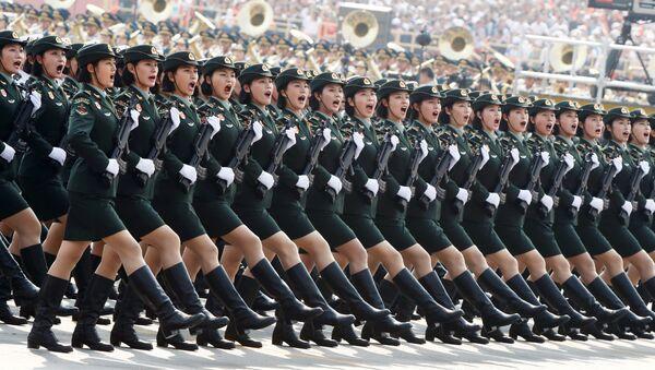 Żołnierze armii Chin w Pekinie  - Sputnik Polska