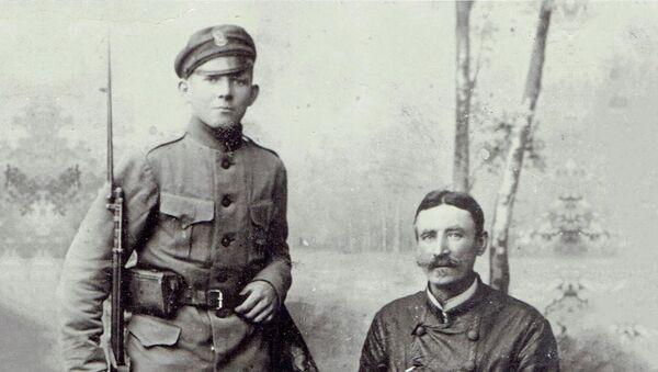 Aleksander Ancewicz z ojcem - Sputnik Polska