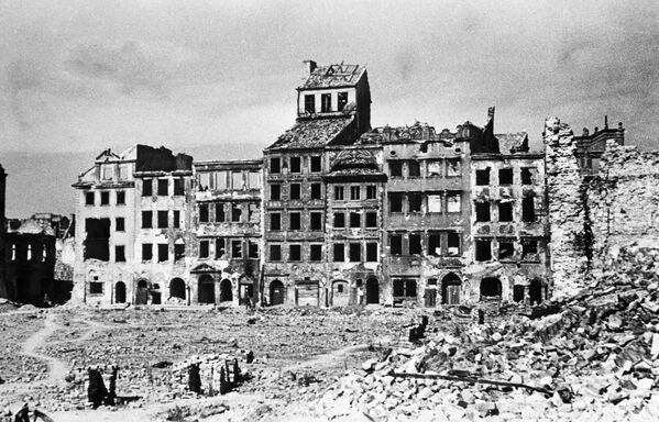Warszawa, 1945 rok  - Sputnik Polska